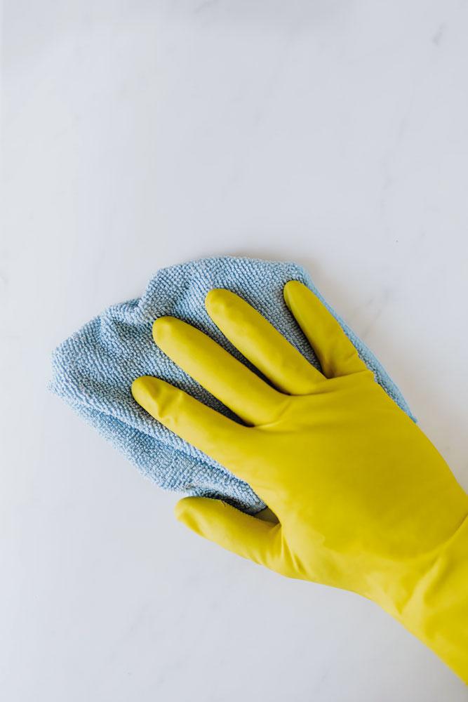 Nettoyage plexiglass